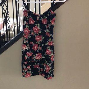 Aritzia TALULA mini dress size med fits small
